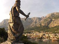 Makarska Chorwacja atrakcje - pos±g ¶w. piotra - atrakcja w Makarskiej